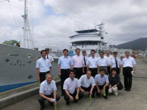 委員会で県の練習船を見学